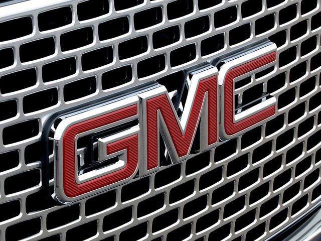 GMC Emblem 640x480