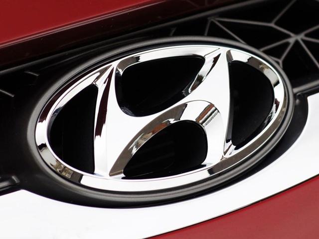 Hyundai Symbol 640x480