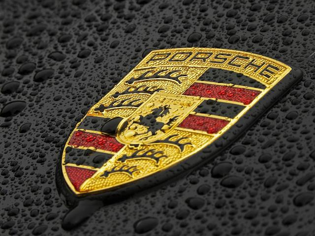 Porsche Symbol 640x480