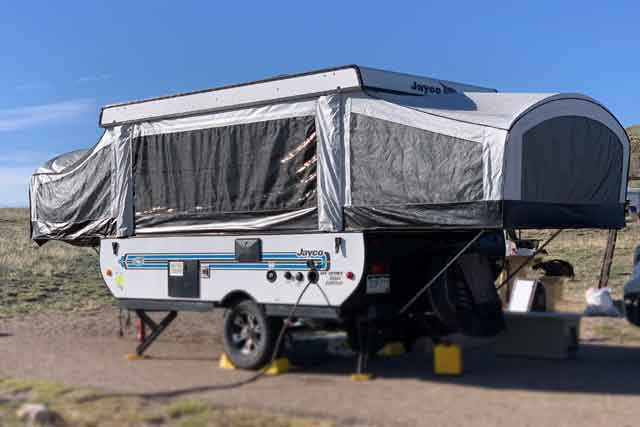 5 Best Small Travel Trailers with Bathroom